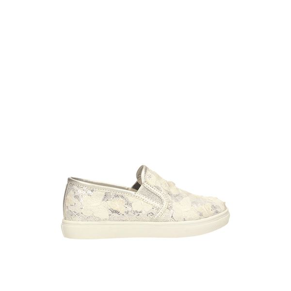 S19-2831-06 Slip On White